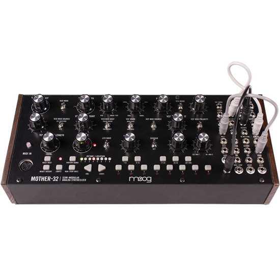 Bild på Moog Mother 32
